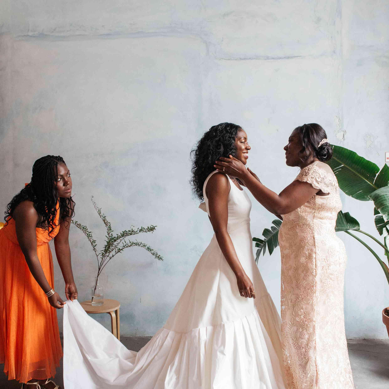 <p>Bride with mother of bride</p>