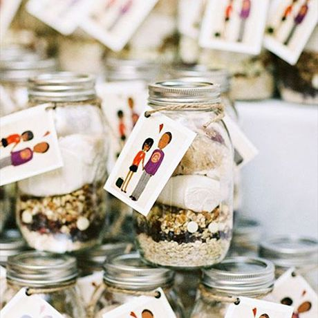 43 Edible Wedding Favors Your Guests Will Love