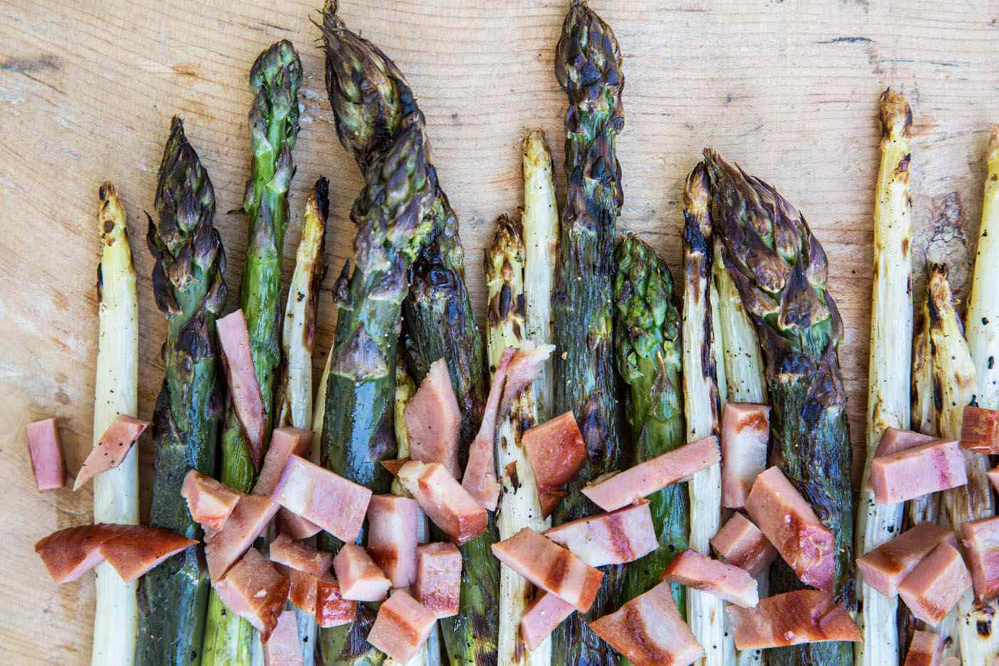 Grilled asparagus with chopped mortadella