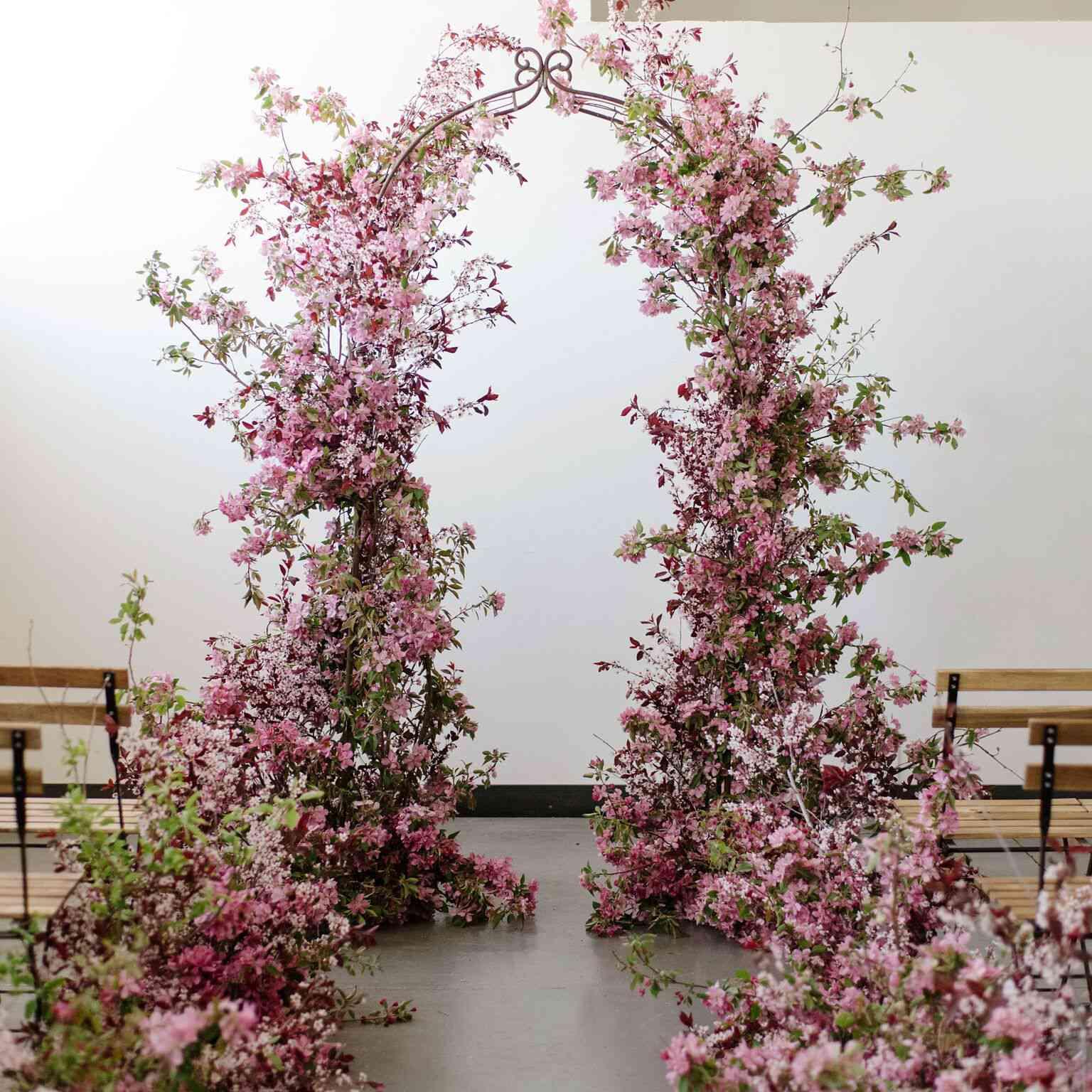 20 Stunning Wedding Flower Wall Ideas