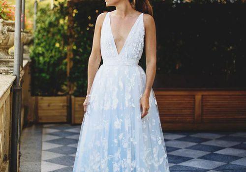 <p><p>bride in wedding dress</p></p>