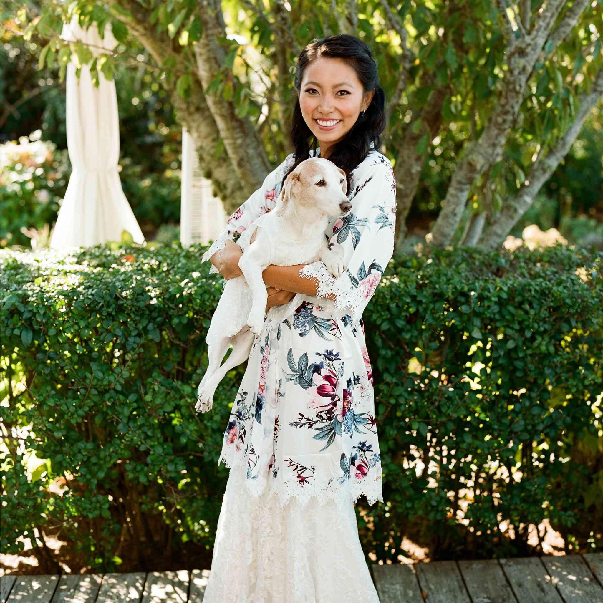 <p>bride with dog</p><br><br>