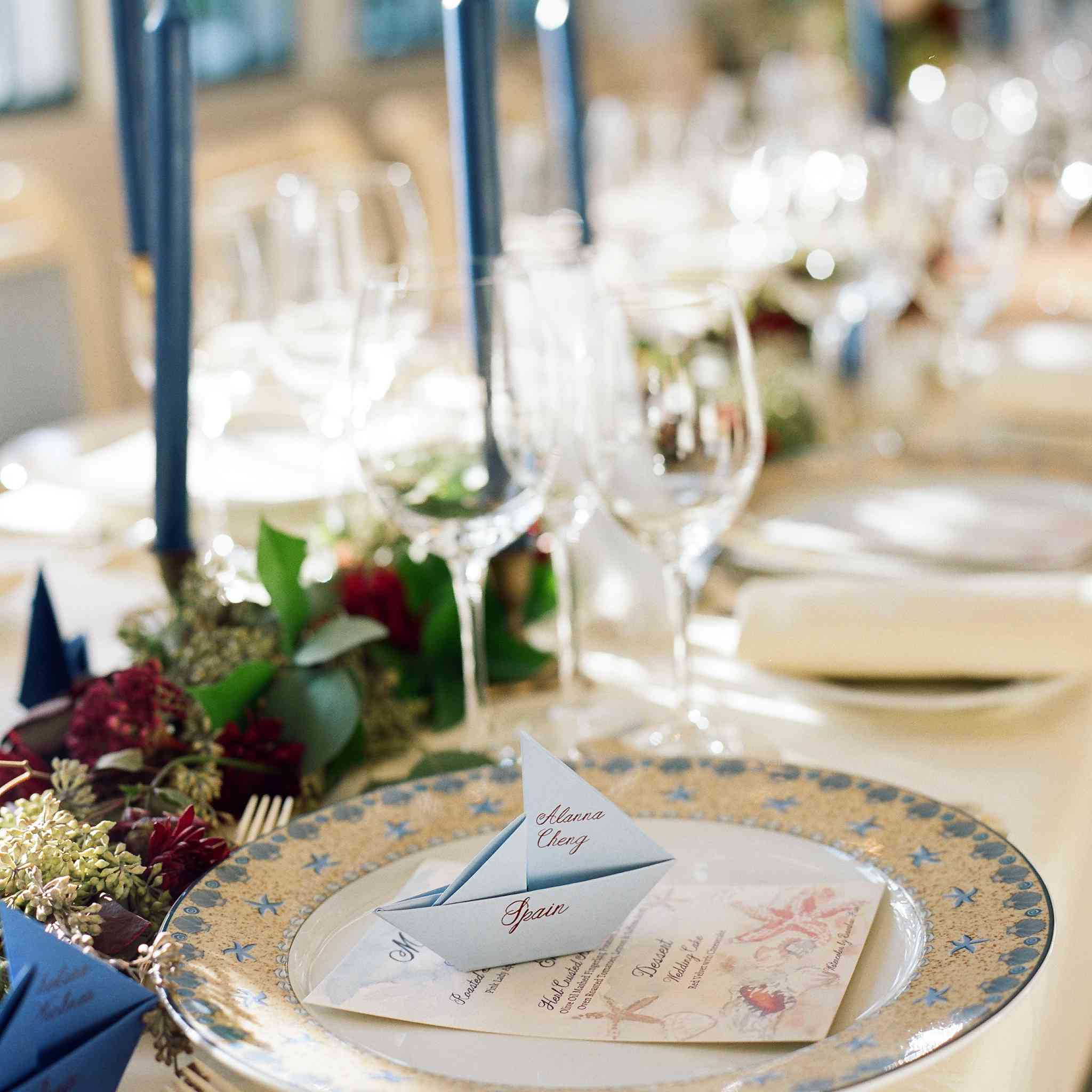 <p>blue and white place setting</p><br><br>
