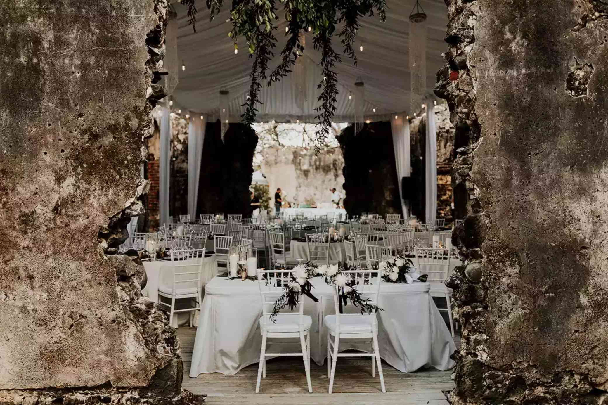 All white sweetheart table
