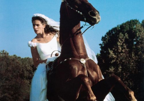 Julia Roberts on horse in Runaway Bride