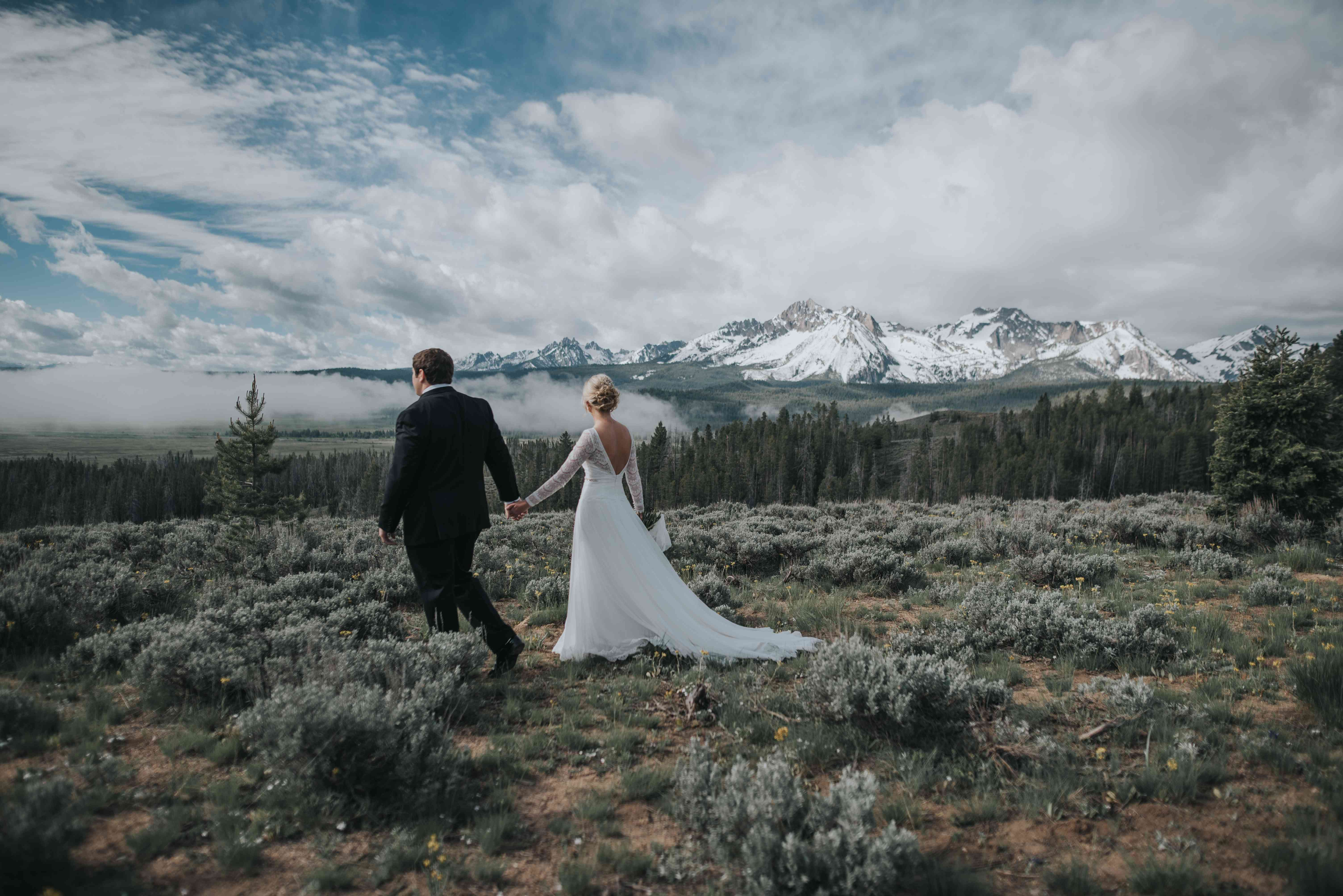 <p>Wedding photo in Sawtooth National Forest</p>