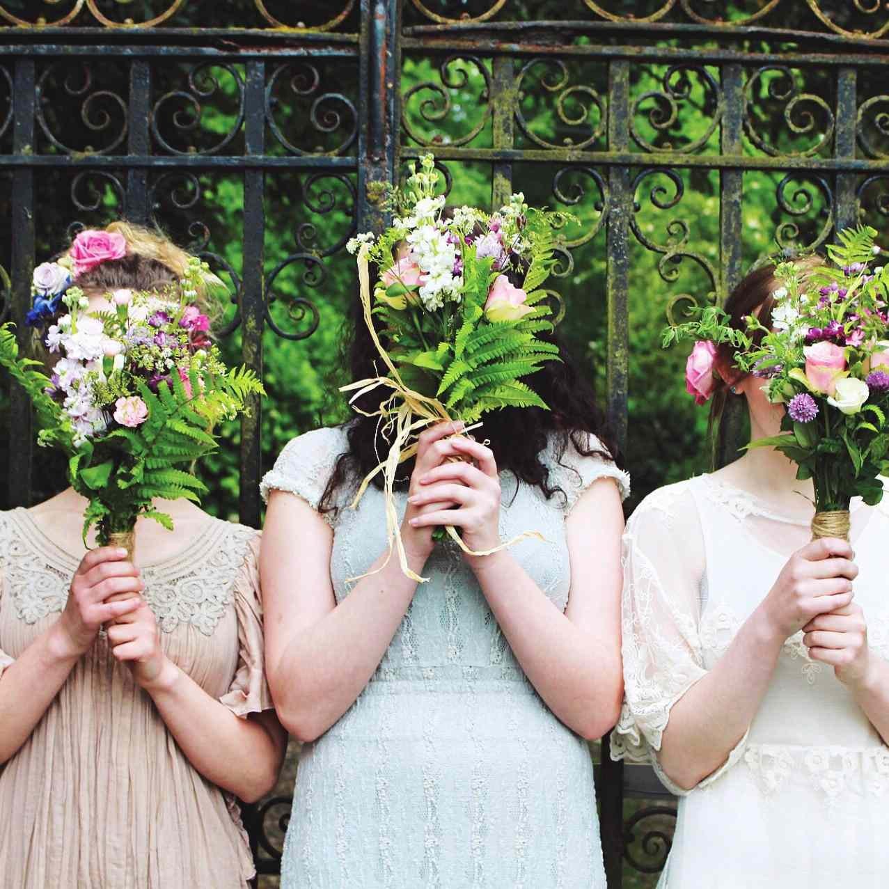 acedfbc190 What Your Bridal Party Should and Shouldn't Pay For