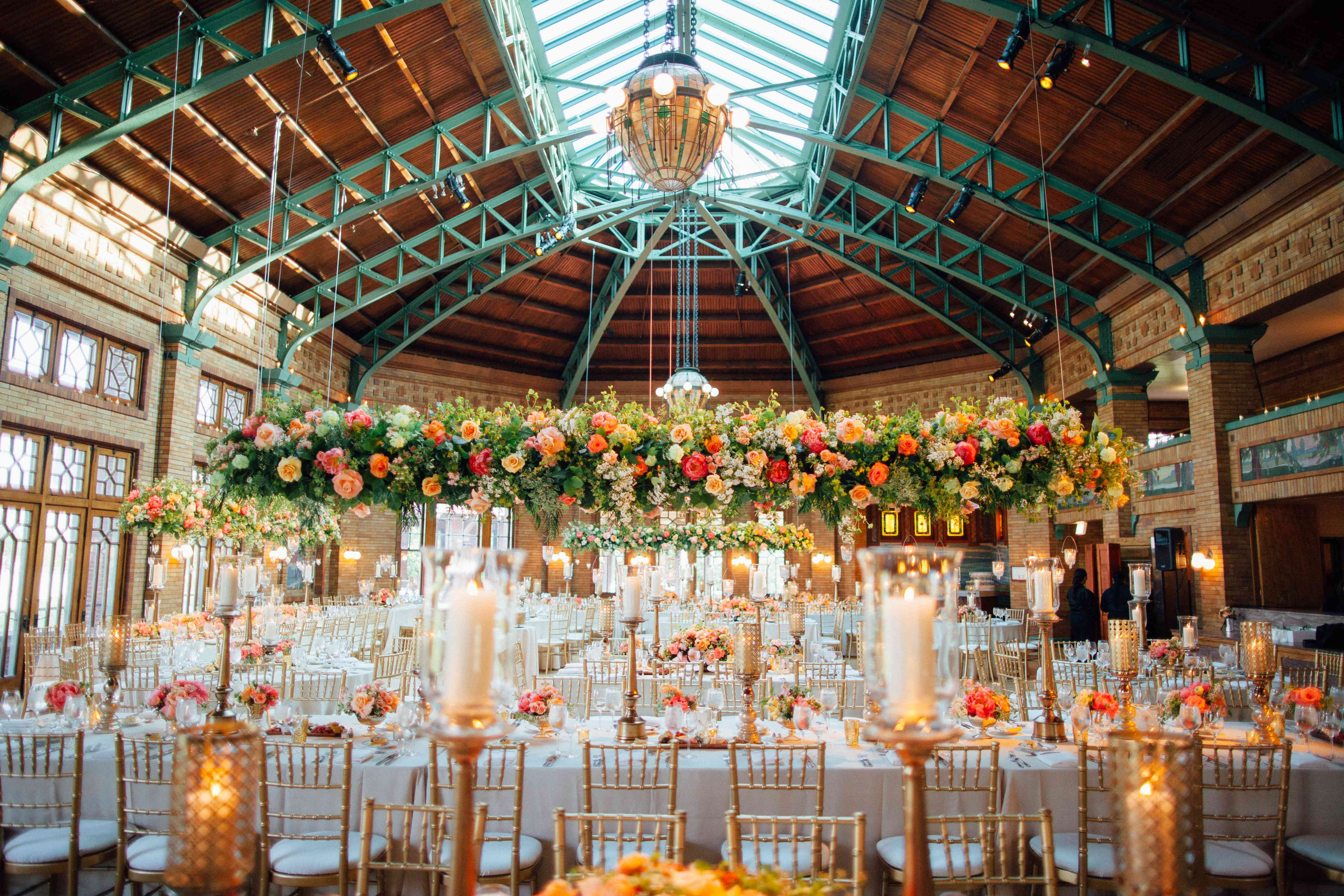 <p>Overhanging Florals and Greenery</p><br><br>