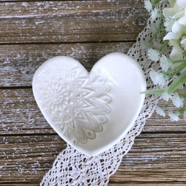SayYourPiece Lace Embossed Heart Ring Dish