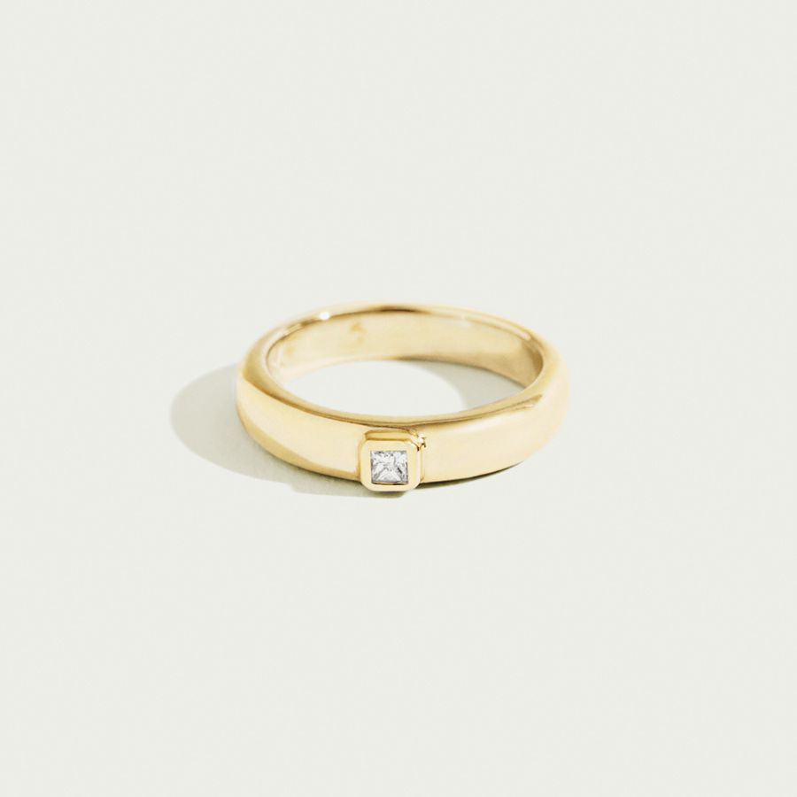 46 Simple Engagement Rings For The Minimalist Bride