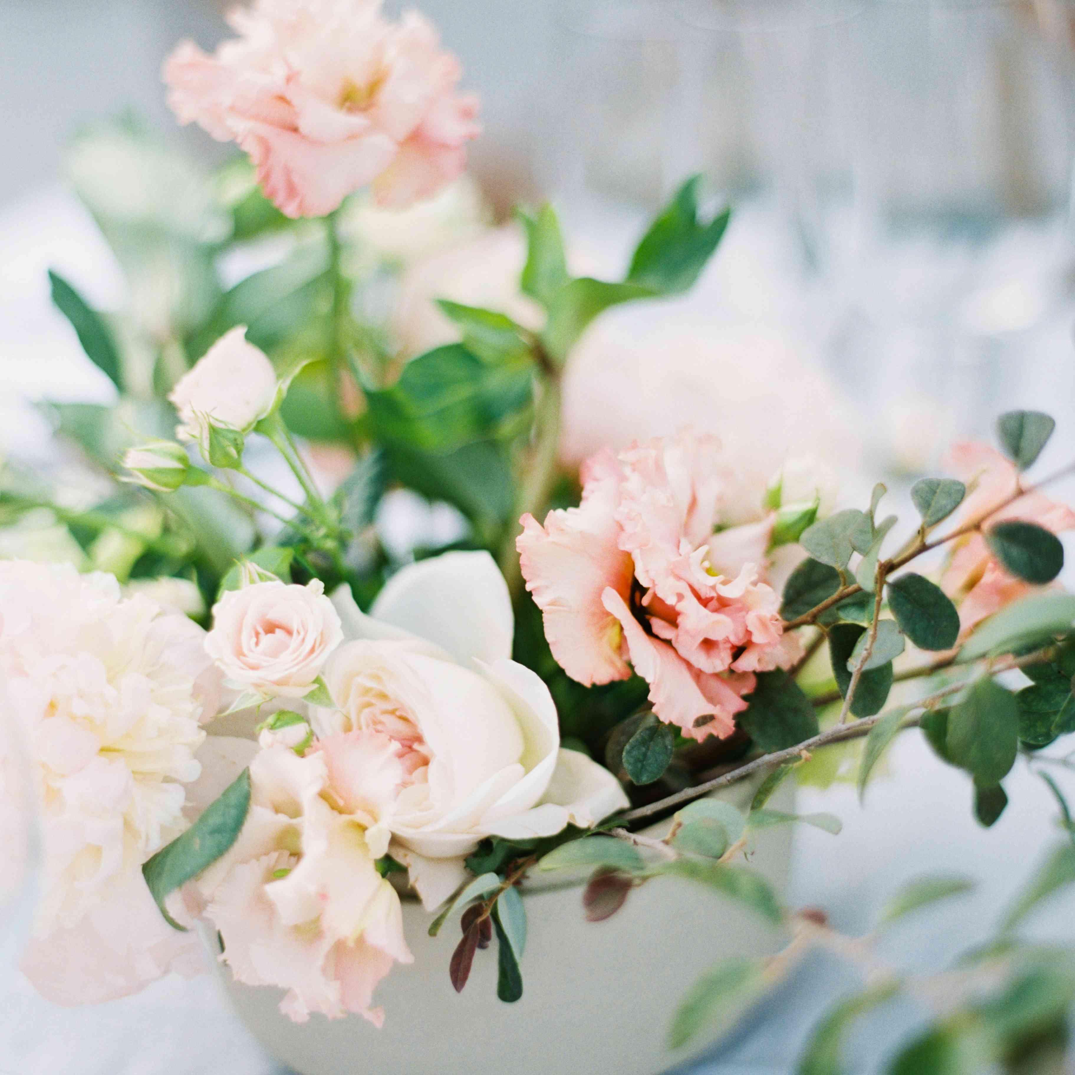 blush rose centerpiece