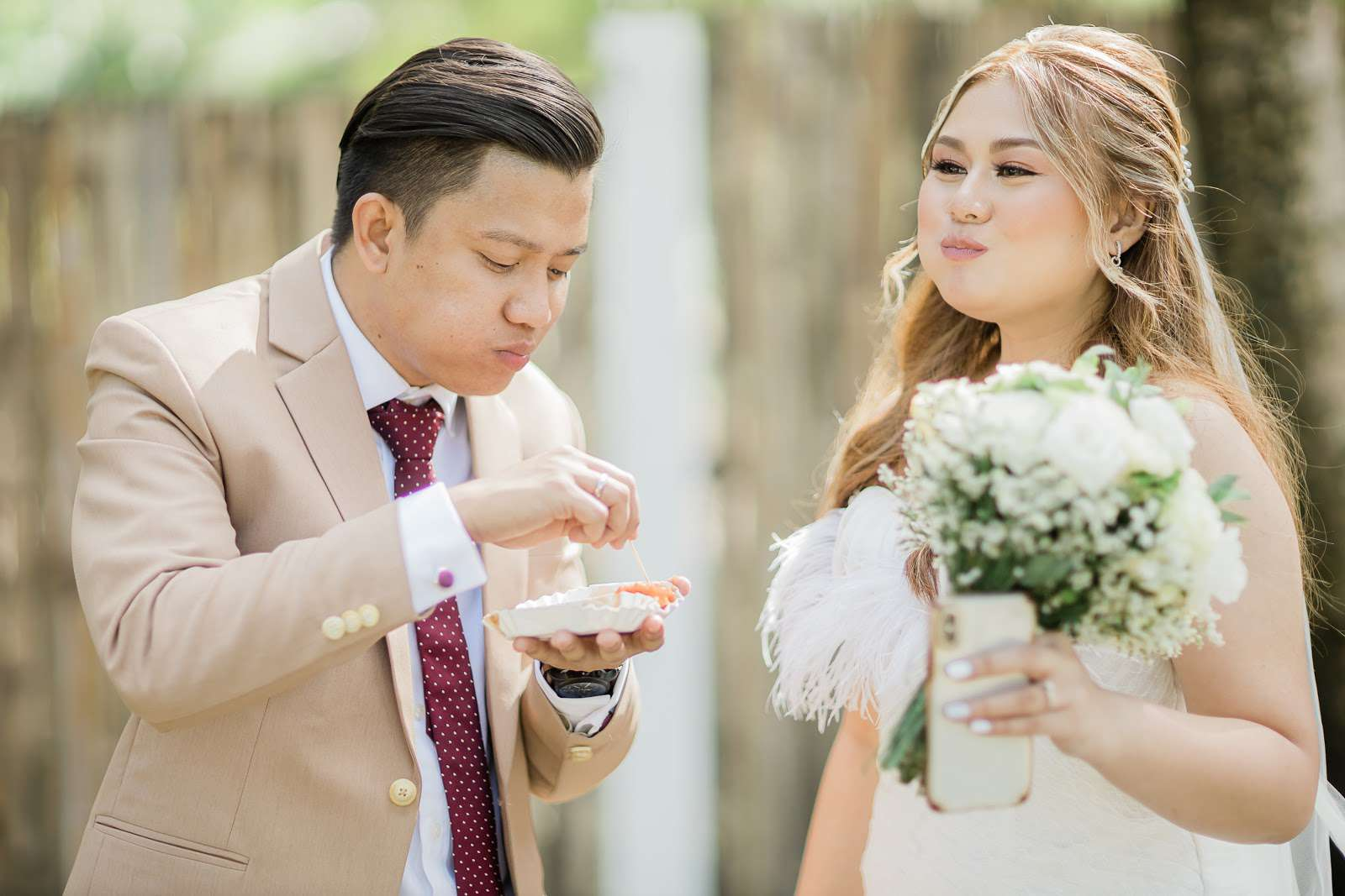 couple eating rice cake