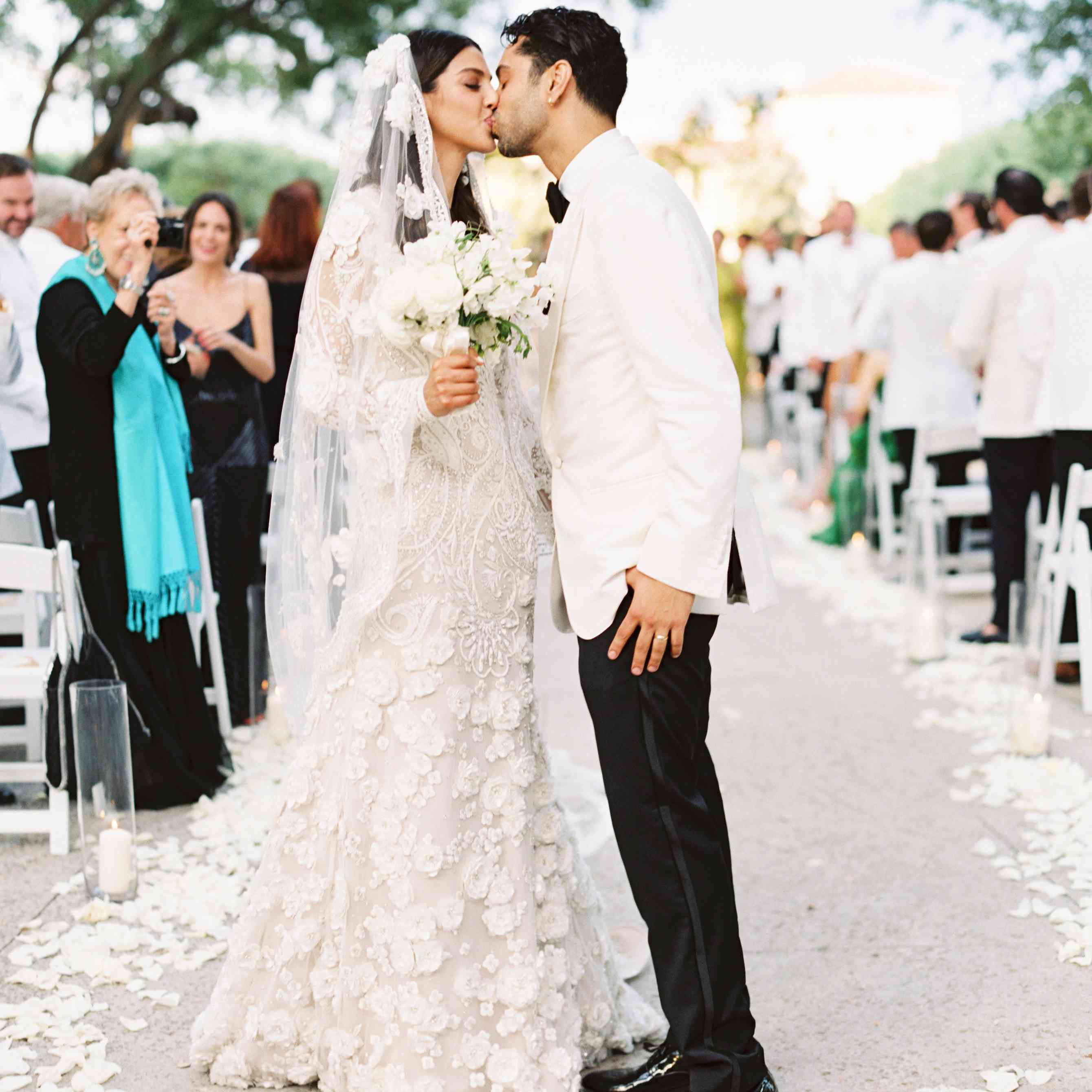 """Story Most Romantic Wedding Songs: A Romantic Miami Wedding With A """"Garden By The Sea"""" Theme"""
