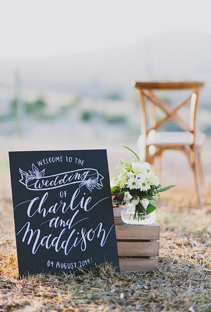 8 Creative Wedding Welcome Signs