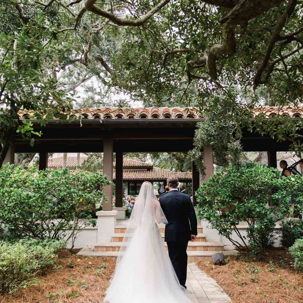 timeless southern wedding, father escorting bride