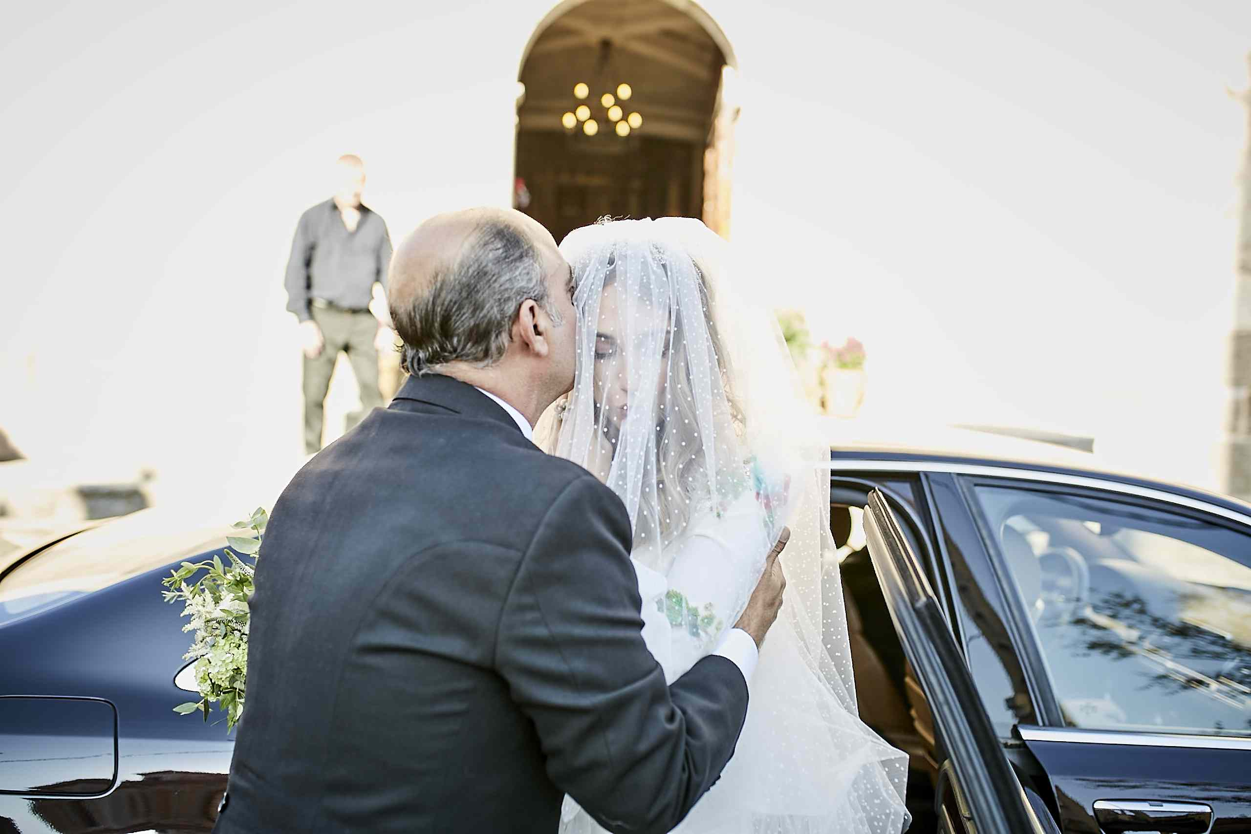 <p>bride with father</p><br><br>