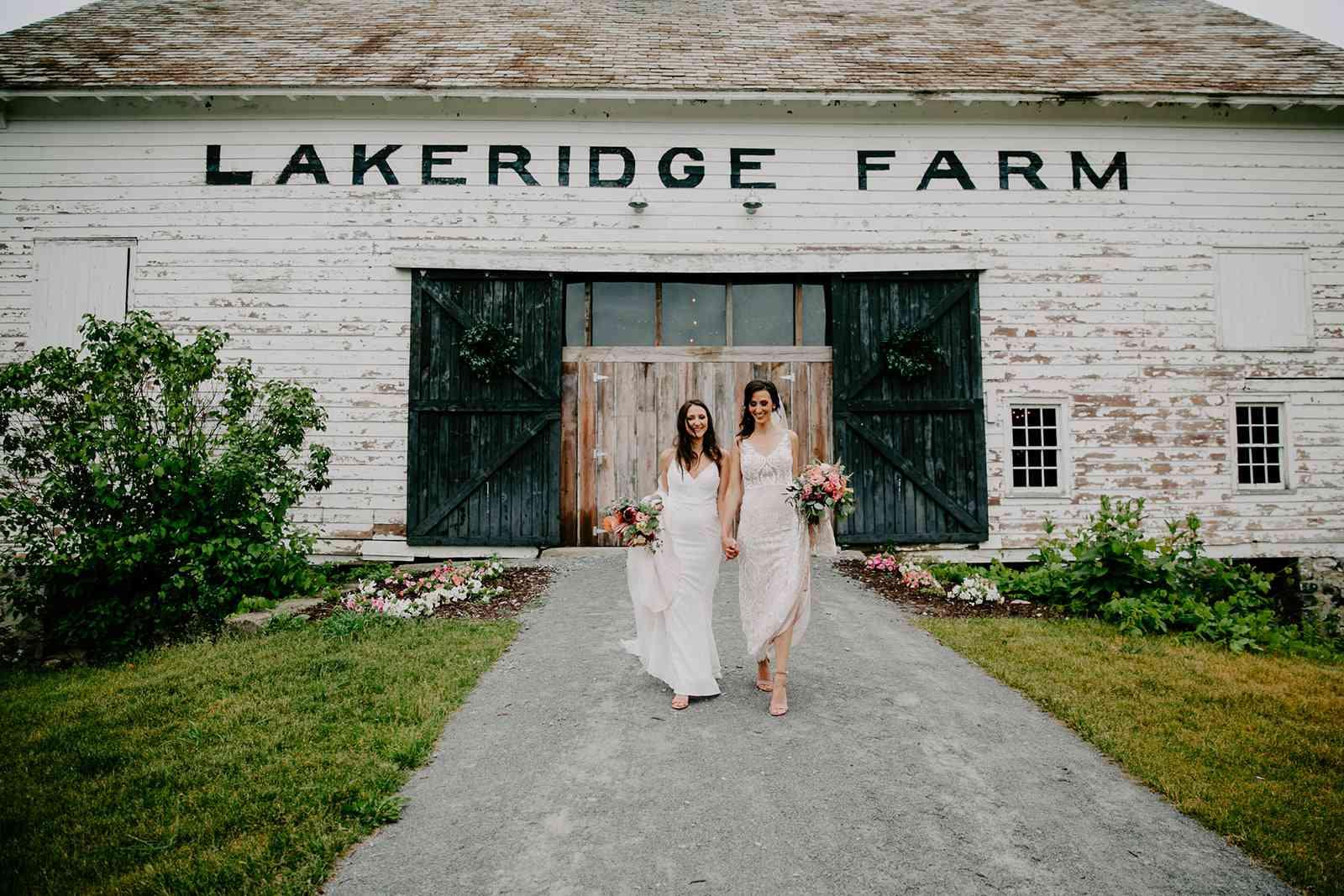 brides holding hands