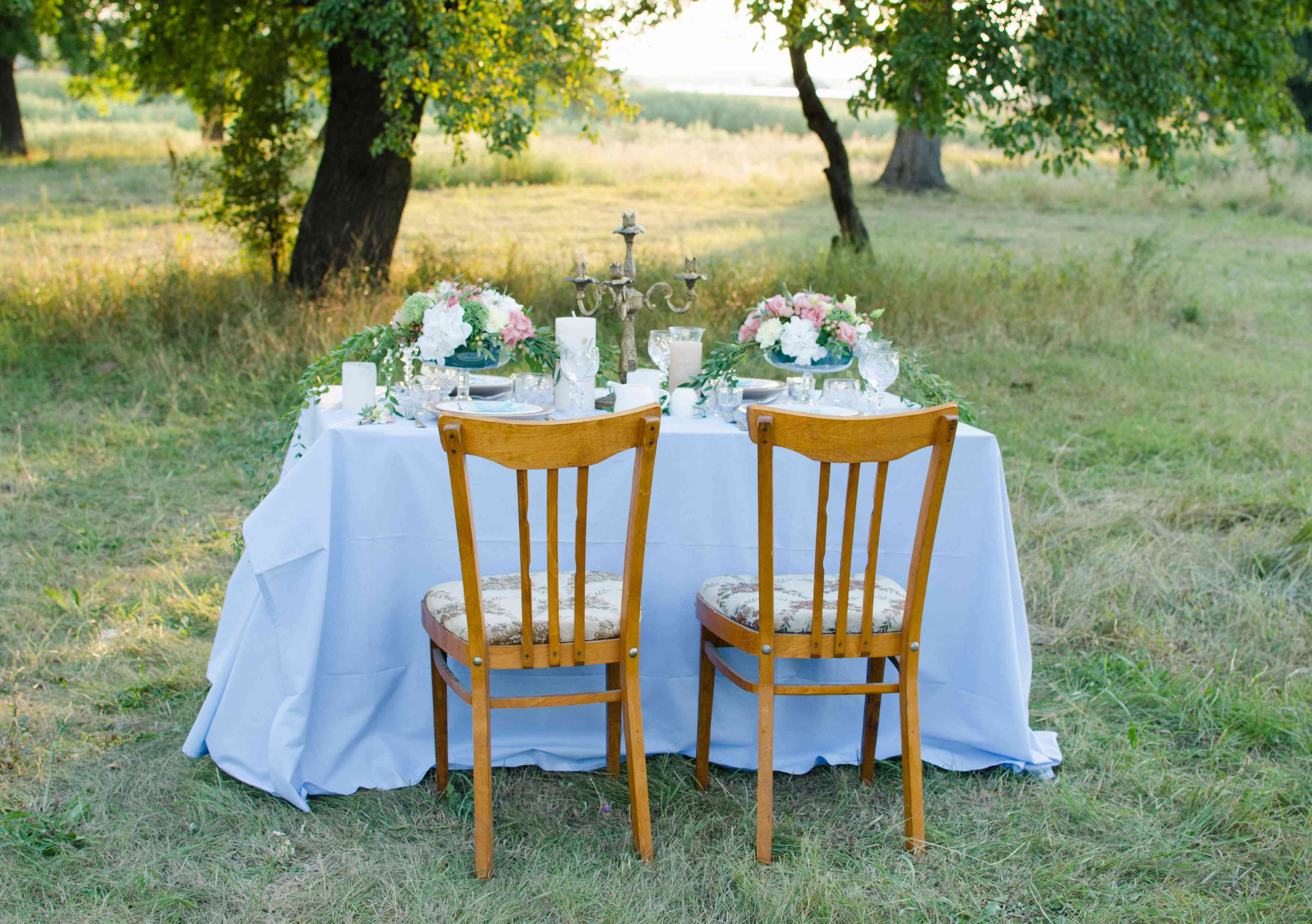 Cottagecore sweetheart table