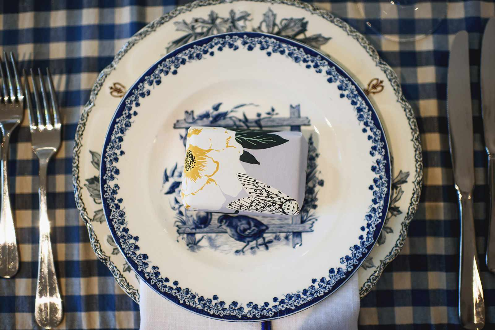 Plate place setting