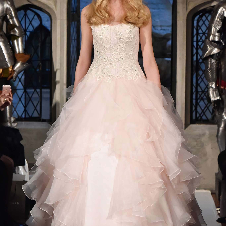 <p>Oleg Cassini Wedding Dress Spring 2018</p><br><br>