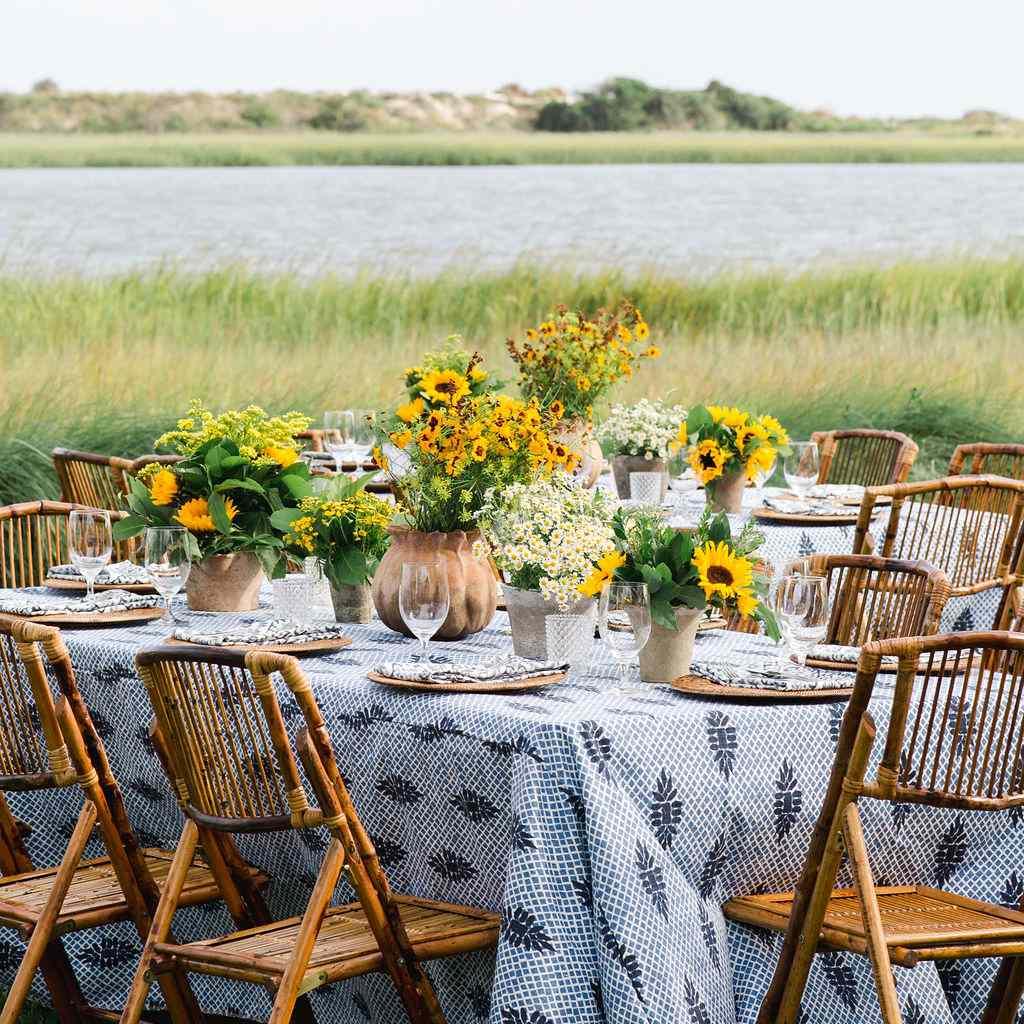 timeless southern wedding, seaside rehearsal dinner seating