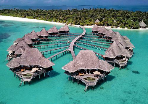 stingray-shaped ocean villas