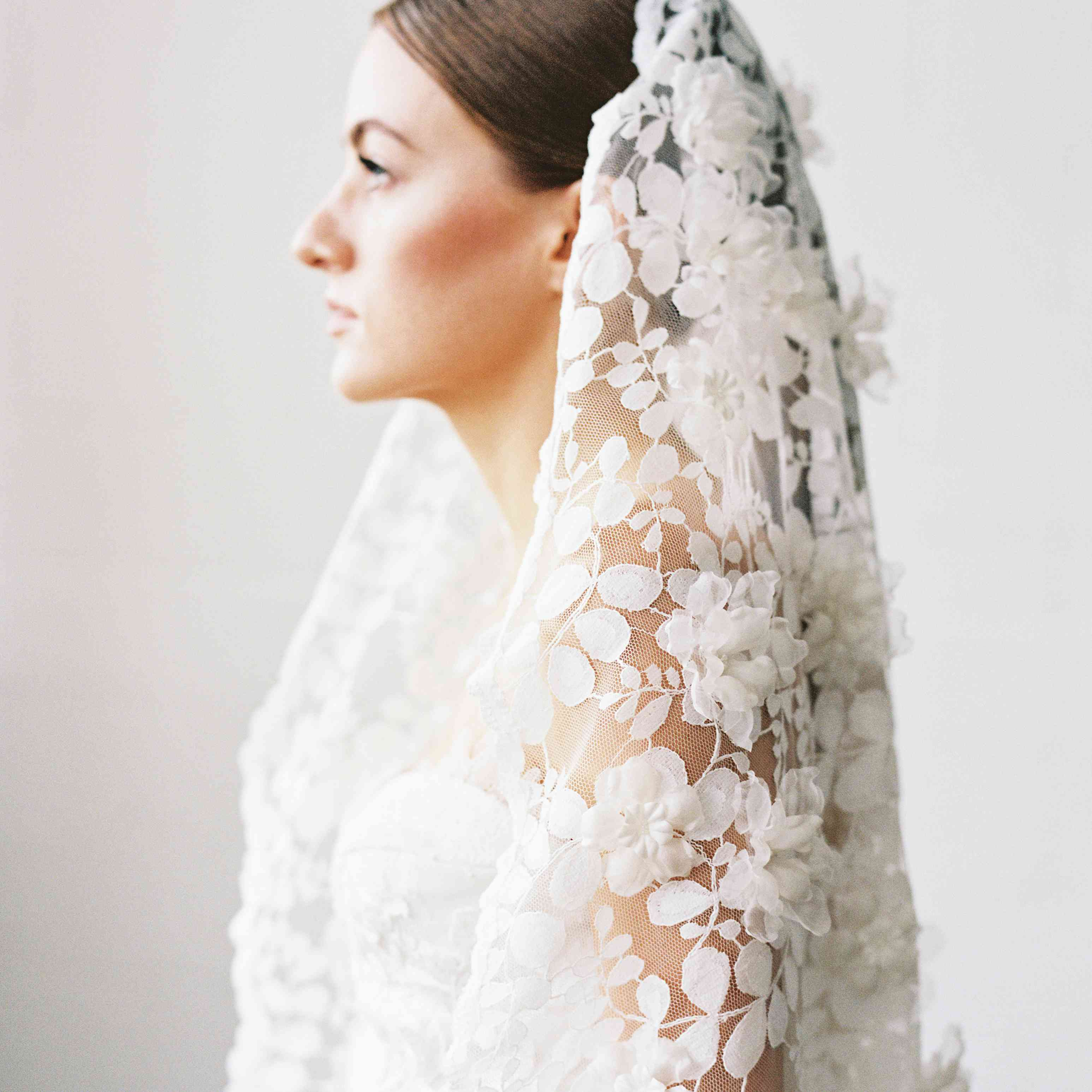 d45ff3a6e4 17 of the Prettiest Wedding Veils from Etsy for Every Bridal Style