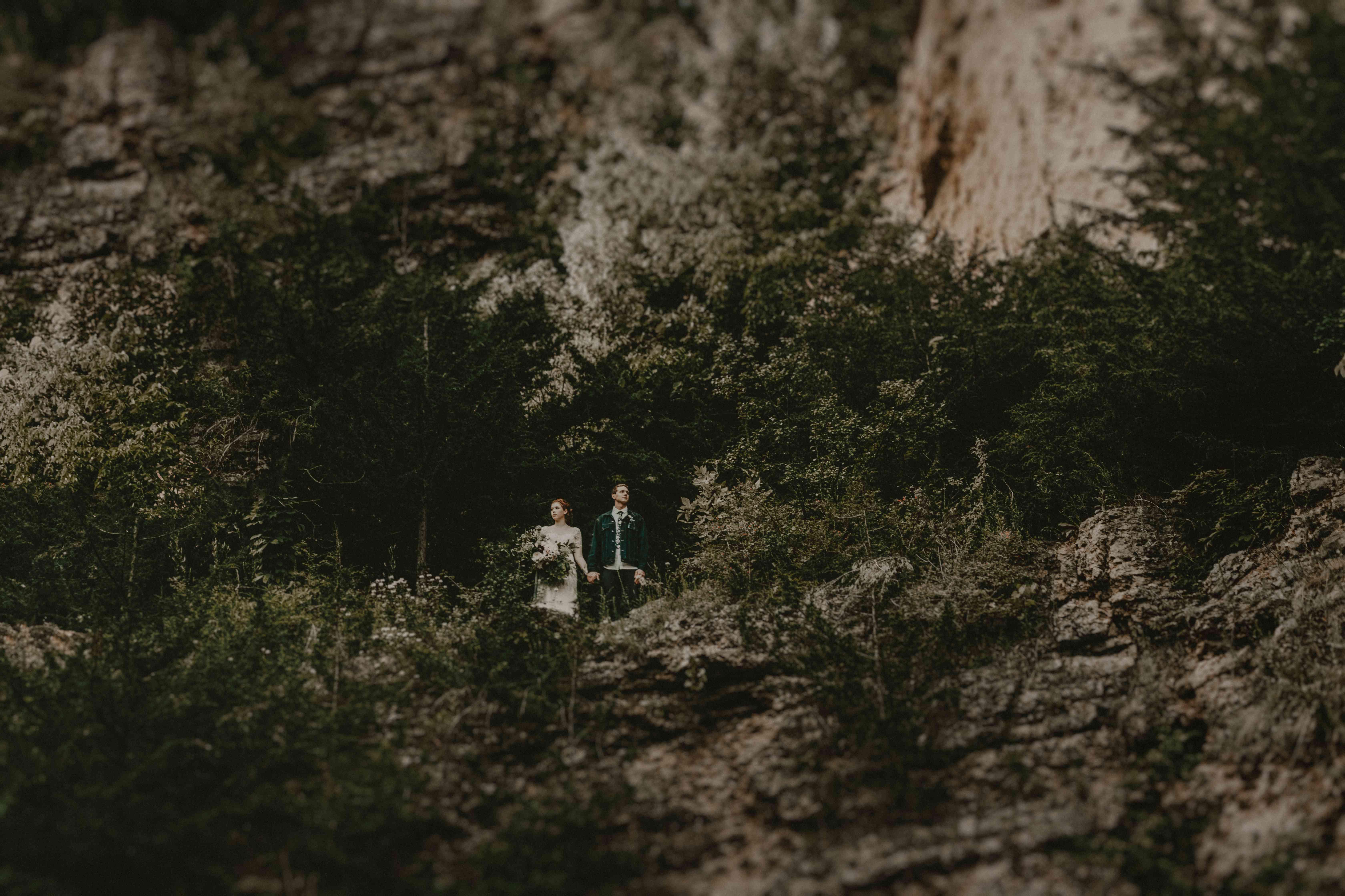 <p>Wedding photo at Mines of Spain in Dubuque, Iowa</p>