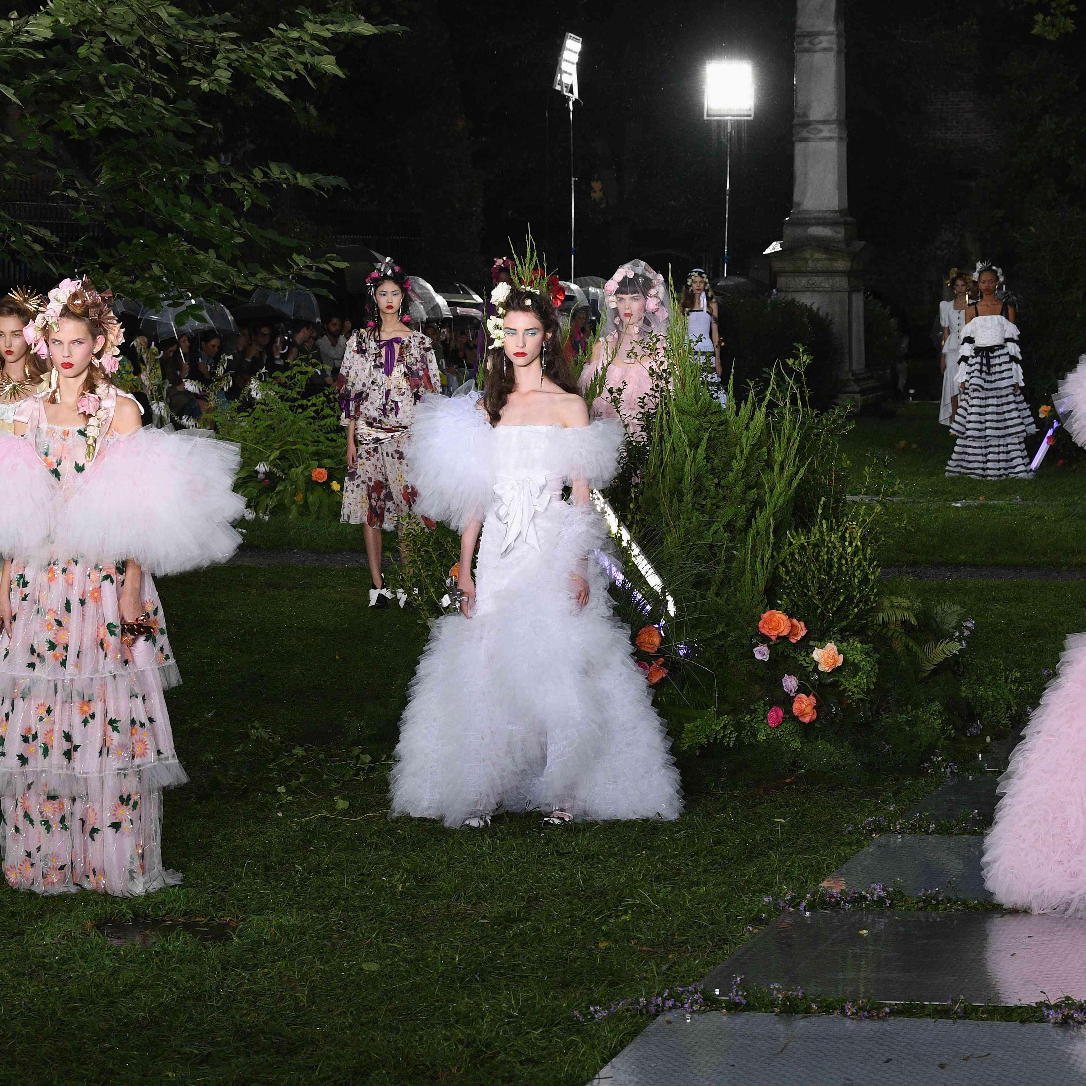 Wedding Dresses 2019 Near Me: 37 NYFW Dresses Perfect For Brides