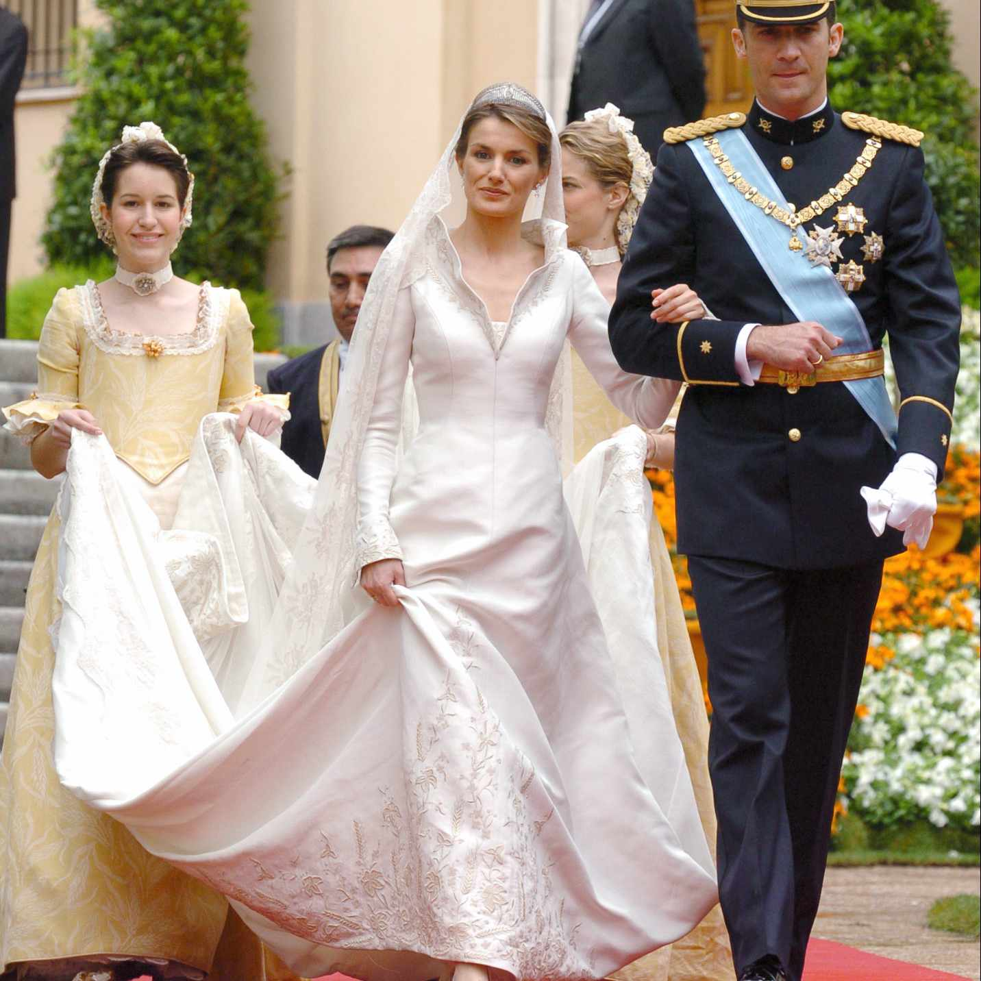 Queen Wedding: 38 Royal Wedding Dresses Throughout History