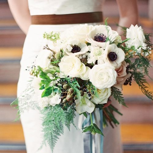 Best Flowers For Winter Wedding: 11 Gorgeous Winter Wedding Bouquets