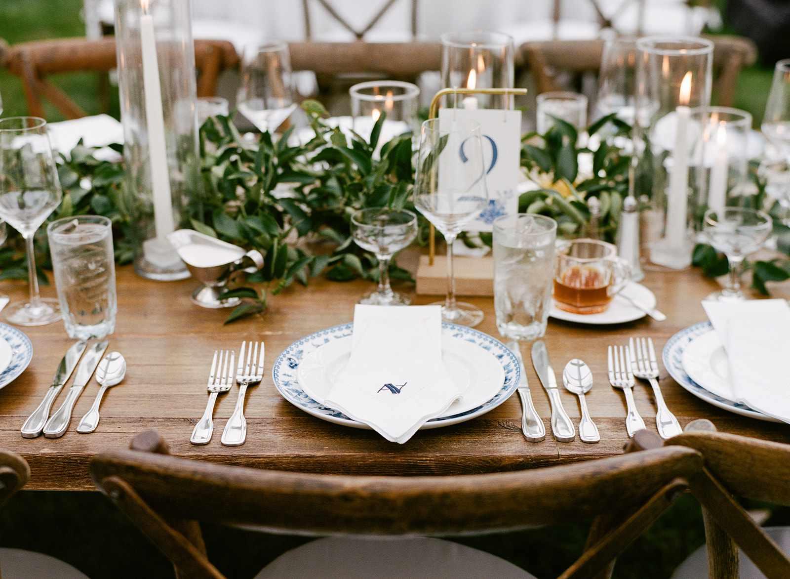 Reception tables detail