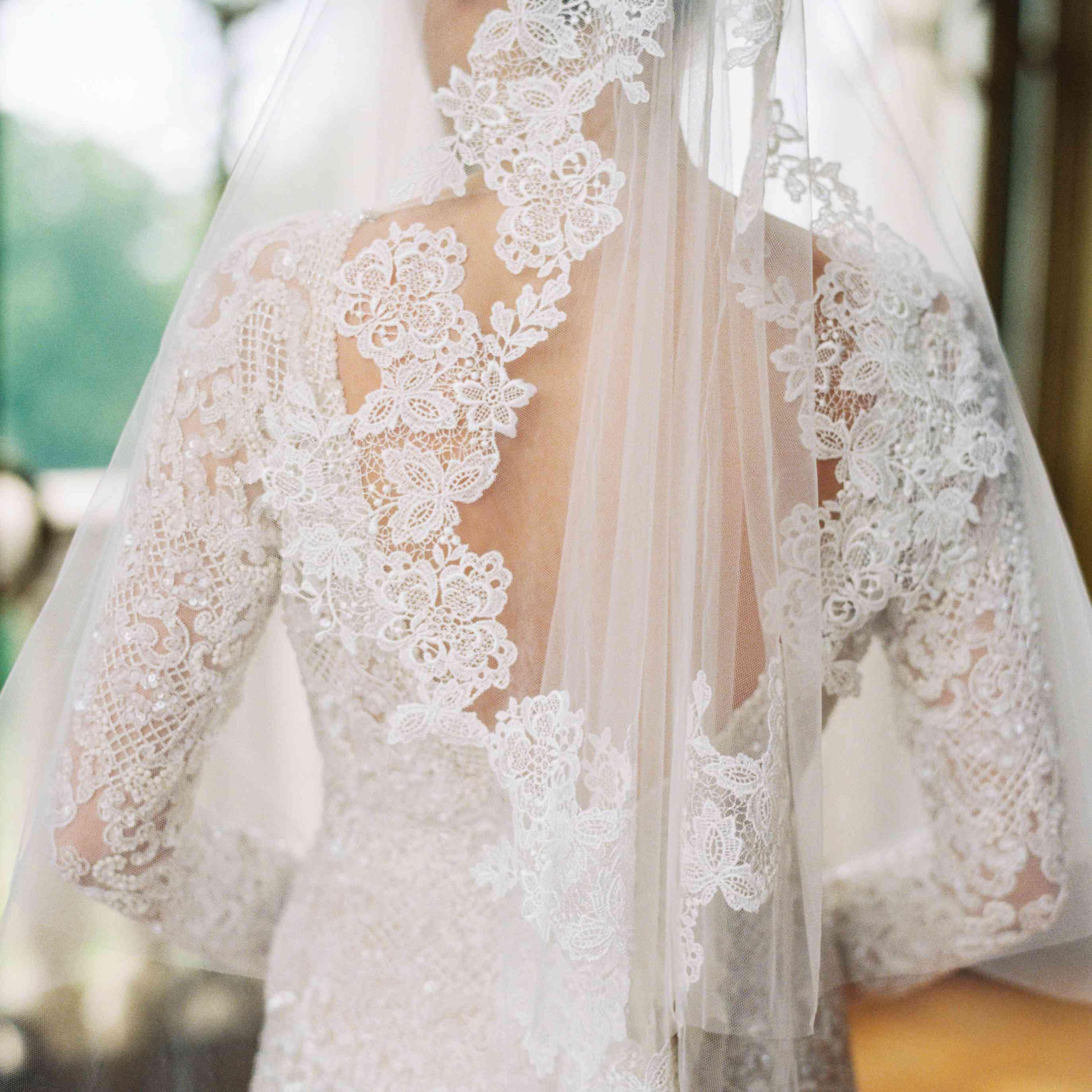 Northern Italian Wedding, Lace Veil