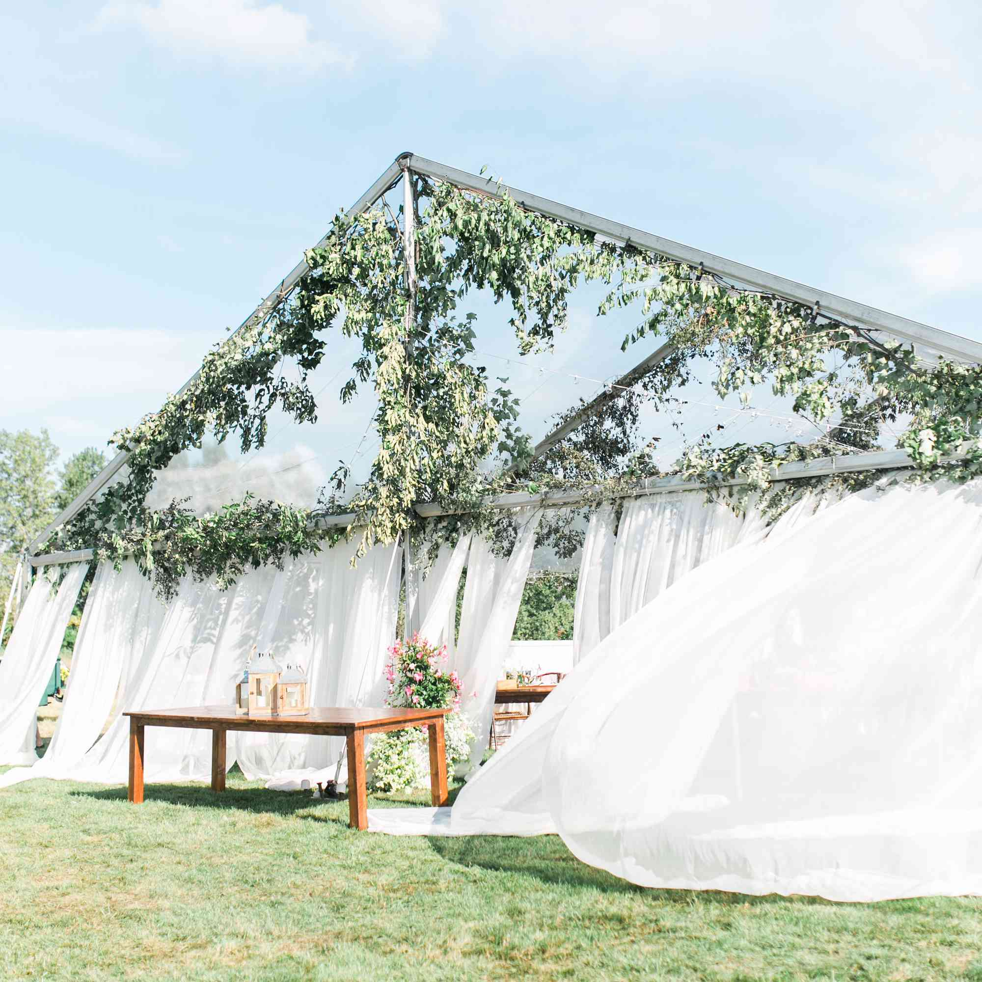 A Gorgeous Backyard Wedding in Buffalo, New York