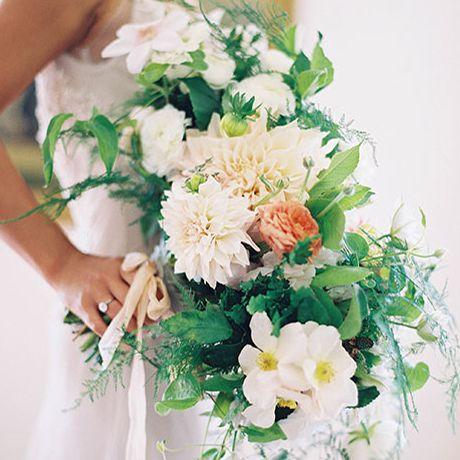 A trailing bouquet