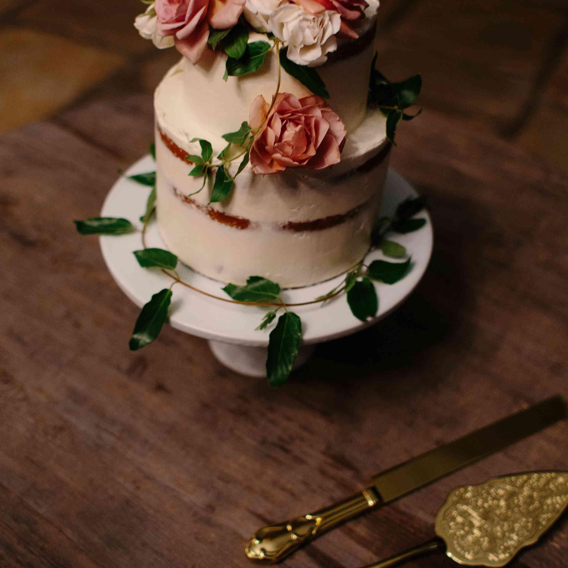 Tahitian vanilla wedding cake with bourbon caramel filling