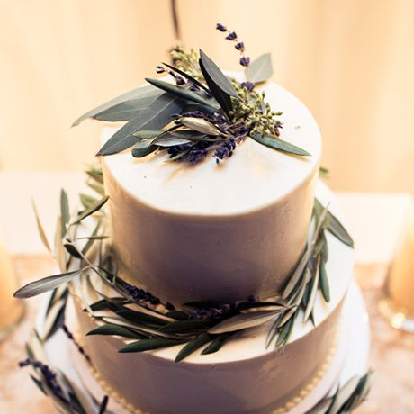 An autumn-ready wedding cake topped with sprigs of lavender and eucalyptus by Nine Cakes