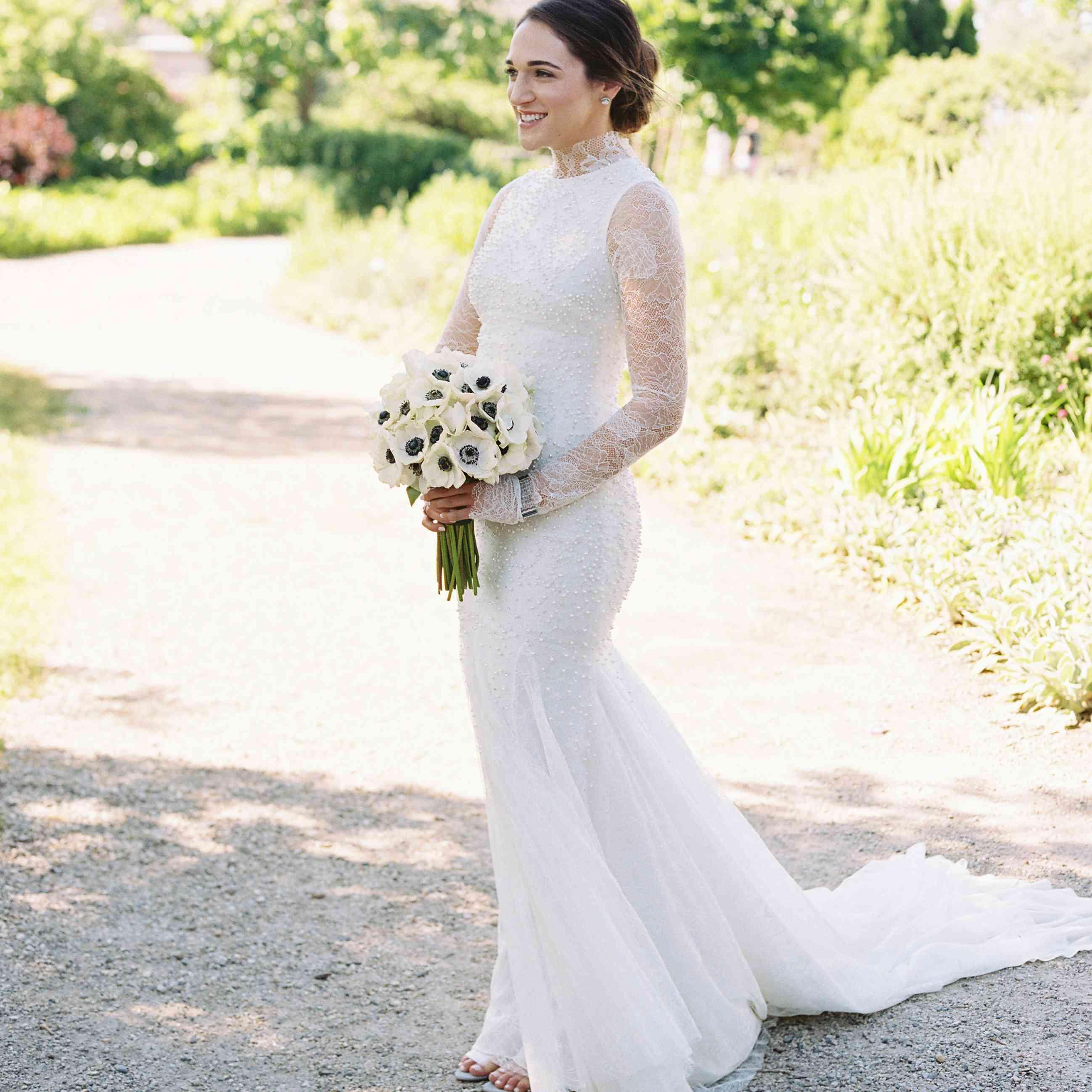 <p>Solo shot of bride</p><br><br>
