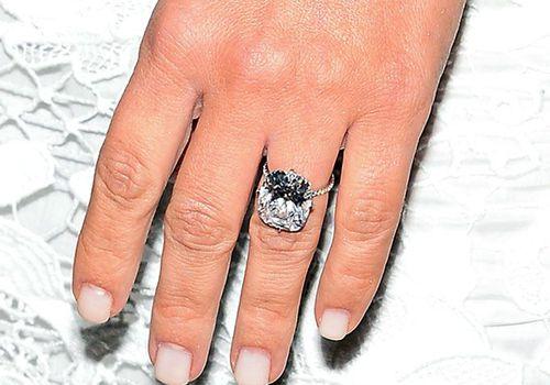 Kim Kardashian S First Engagement Ring From Kanye West