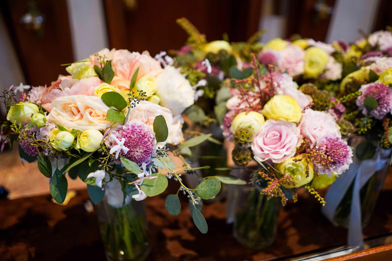 <p>bouquets</p><br><br>