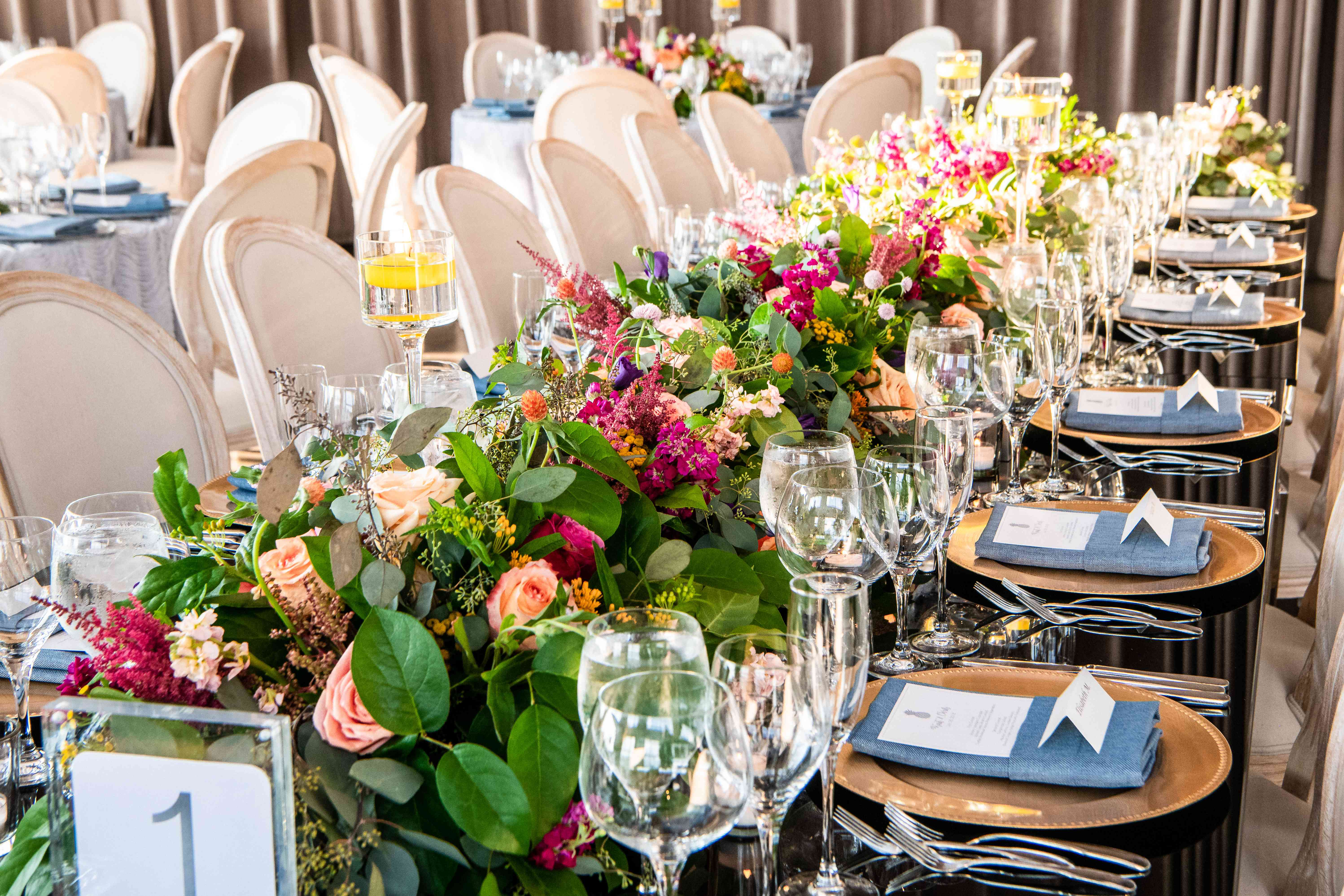 <p>floral and greenery centerpiece</p><br><br>