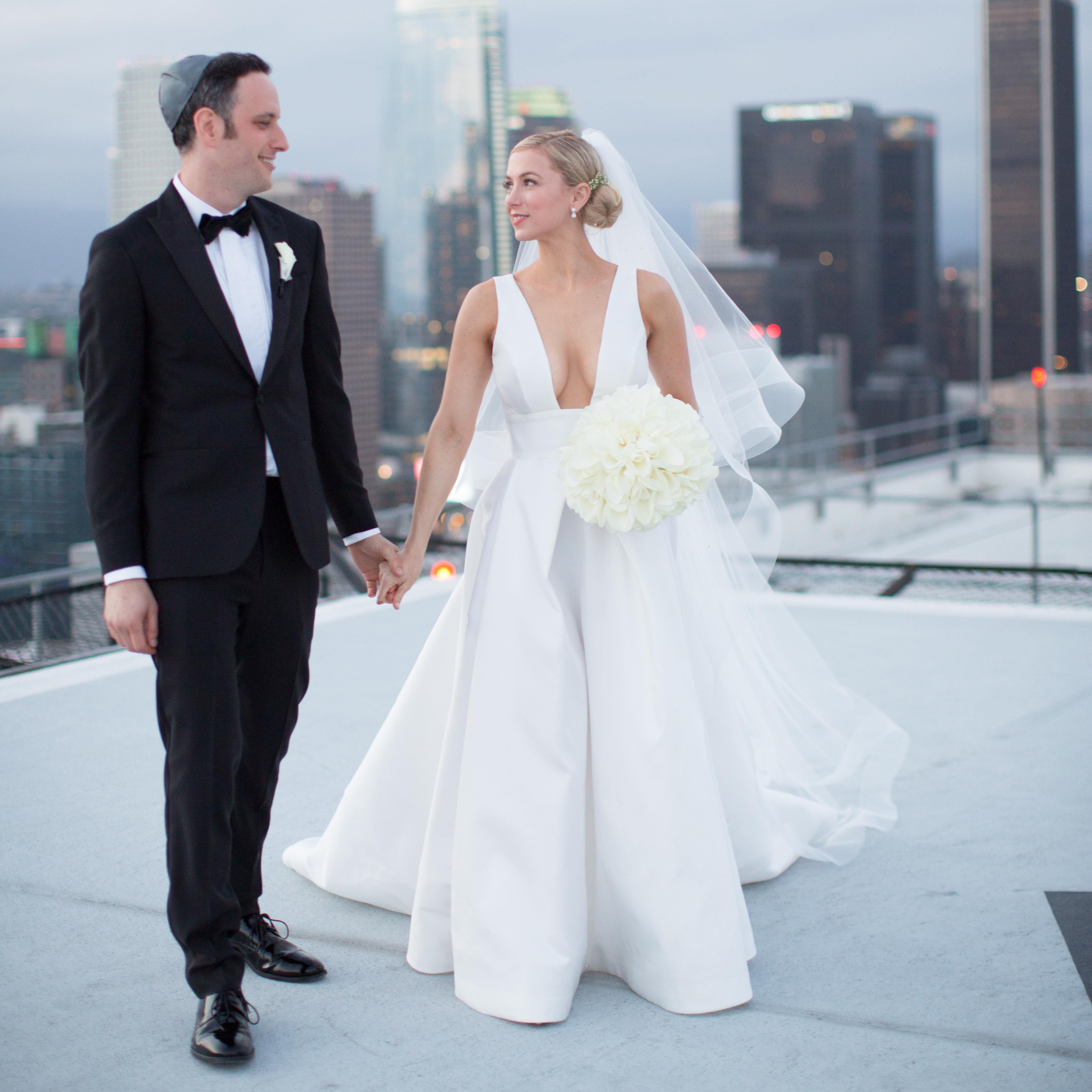 Comedian Iliza Shlesinger S Modern Wedding Celebration In L A