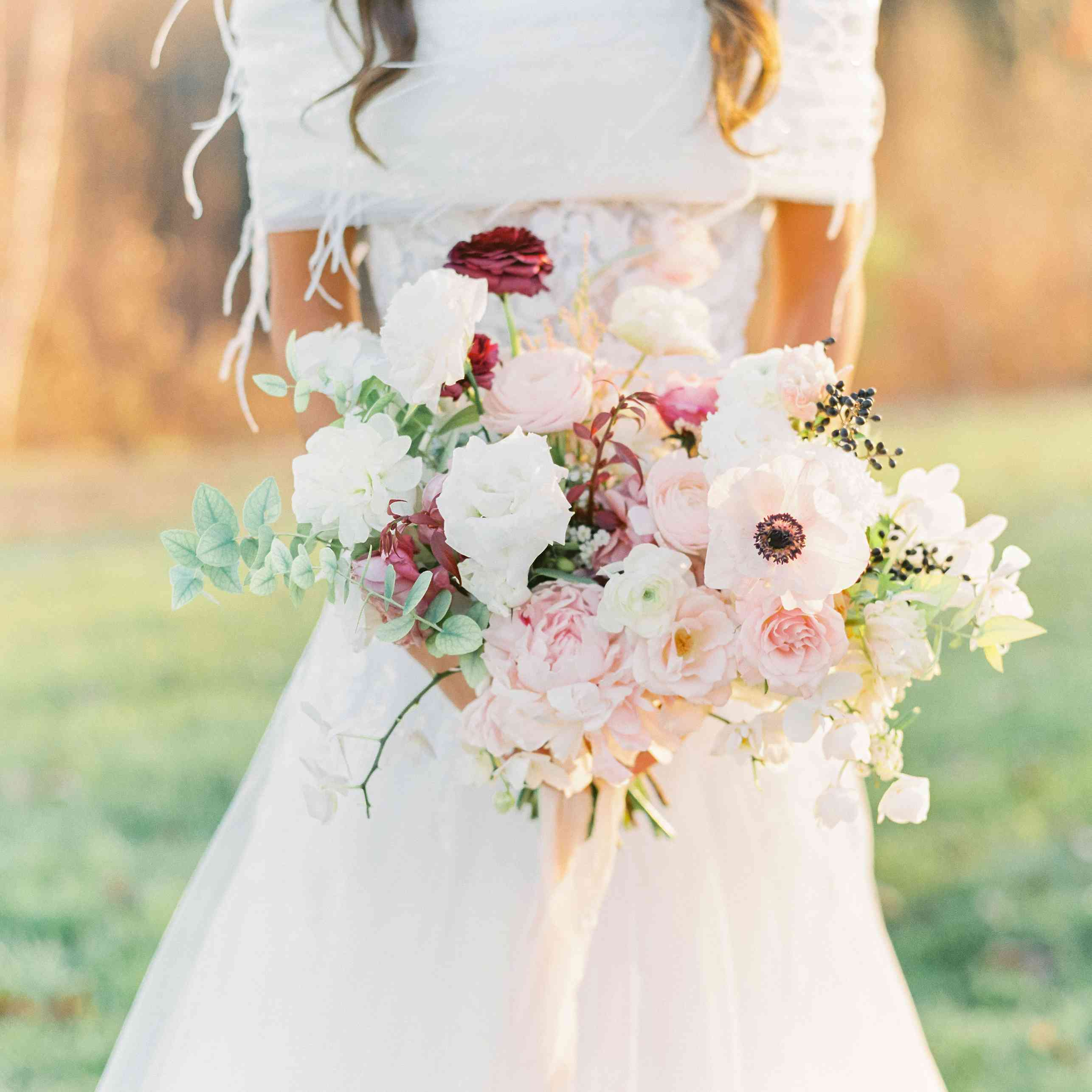 Bridal bouquet consisting of white and blush roses