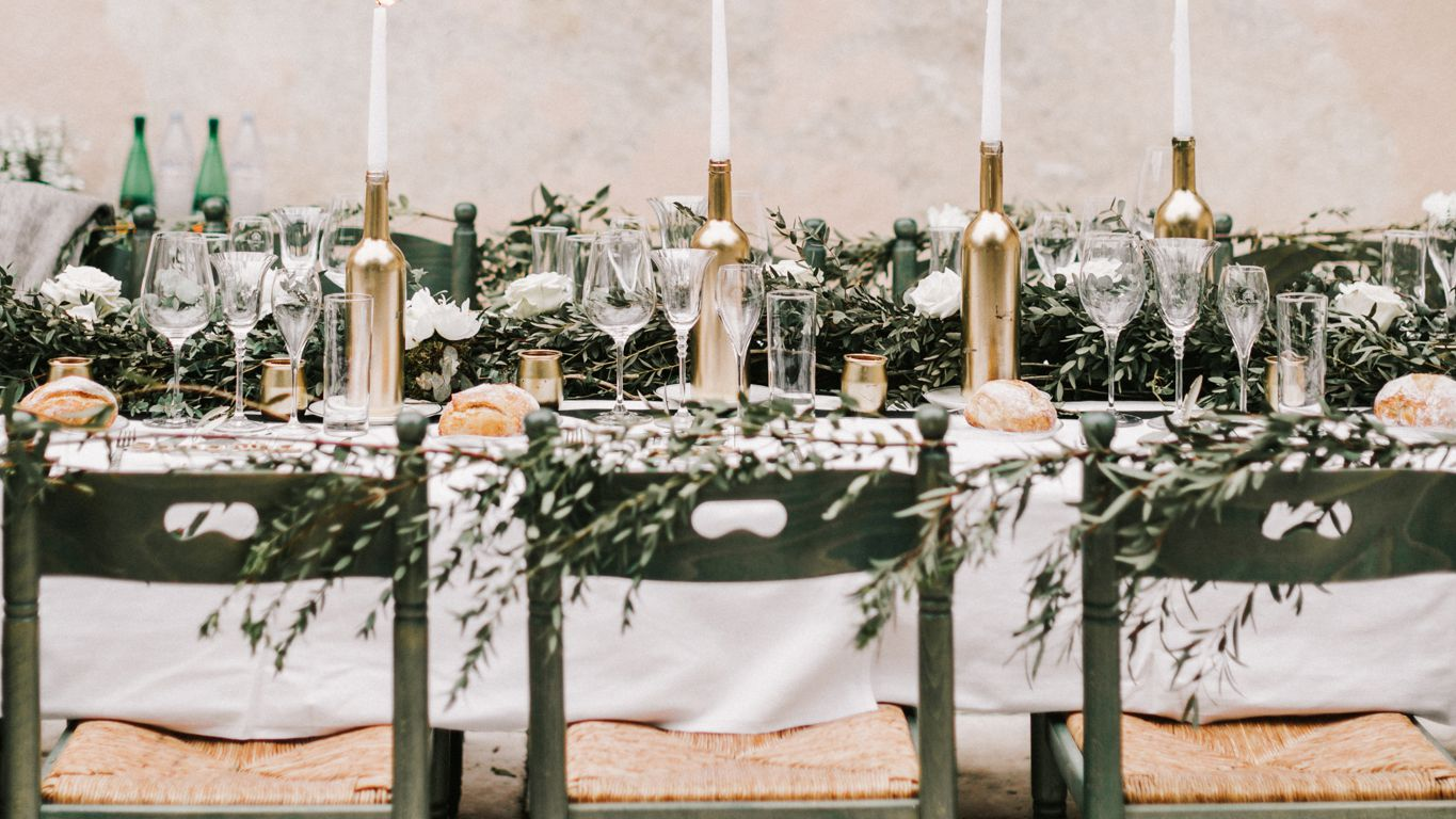 14 Wine Bottle Wedding Centerpieces For Every Style