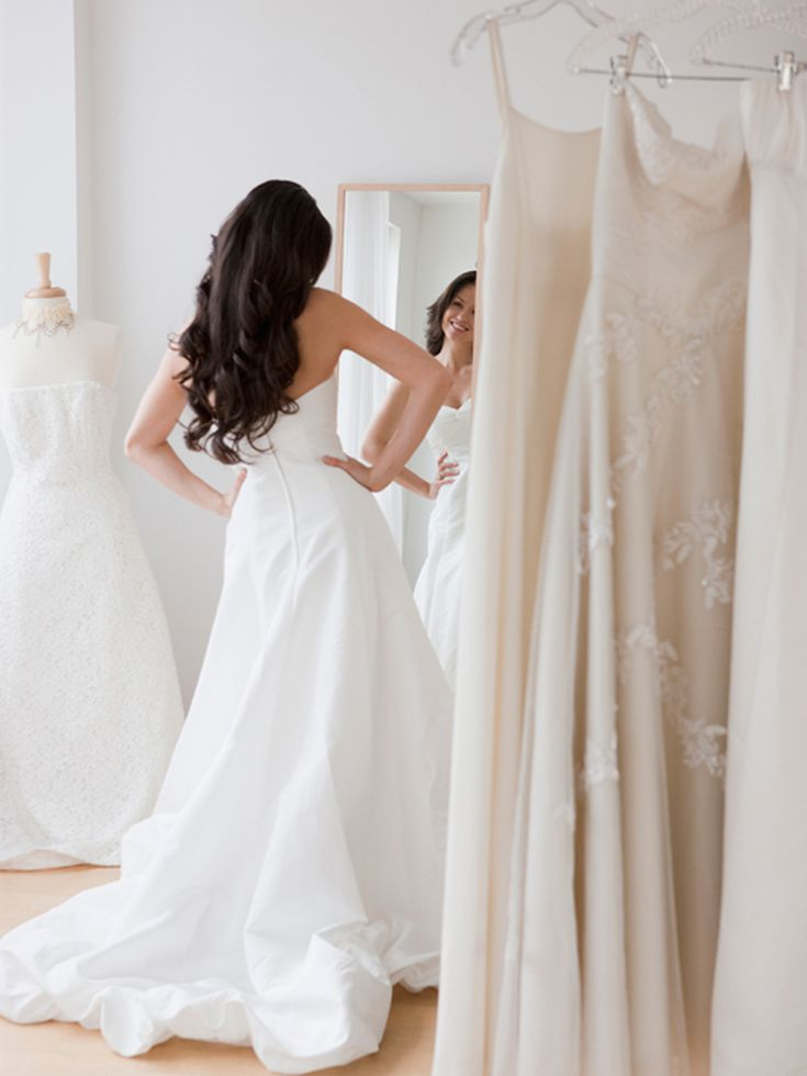 5 Things You Need To Know Before You Buy An Off The Rack Wedding Dress