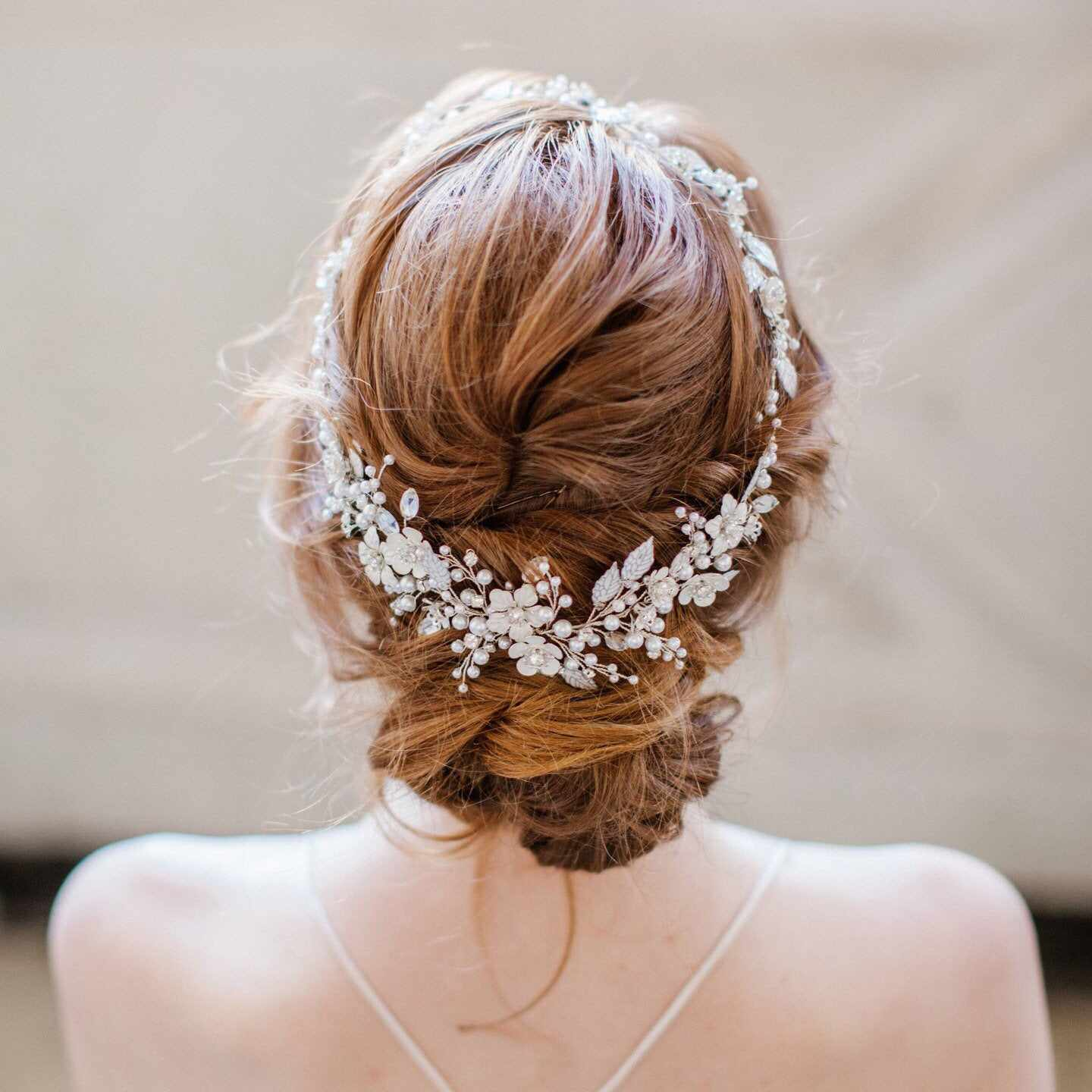 The 10 Best Bridal Hair Accessories of 10