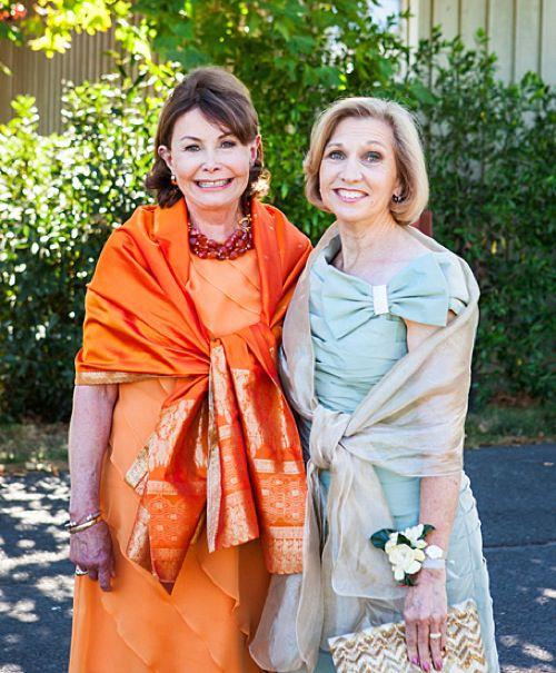 Ceremony Vs Reception Dress: Mom Vs. Mom: How The Mother Of The Bride's Duties Differ