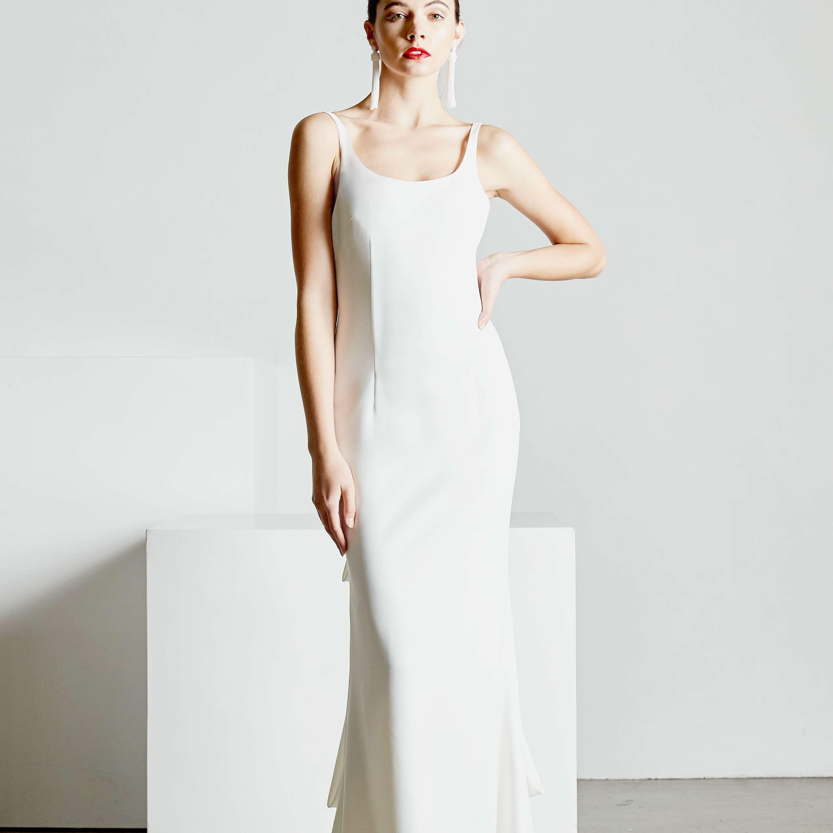 Megan S Wedding Dress.19 Wedding Dresses To Get Meghan Markle S Wedding Dress Look