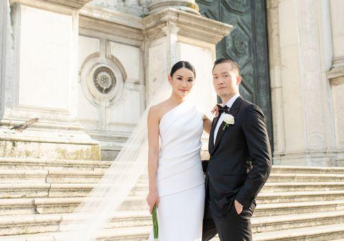 modern venice wedding, bride and groom posing