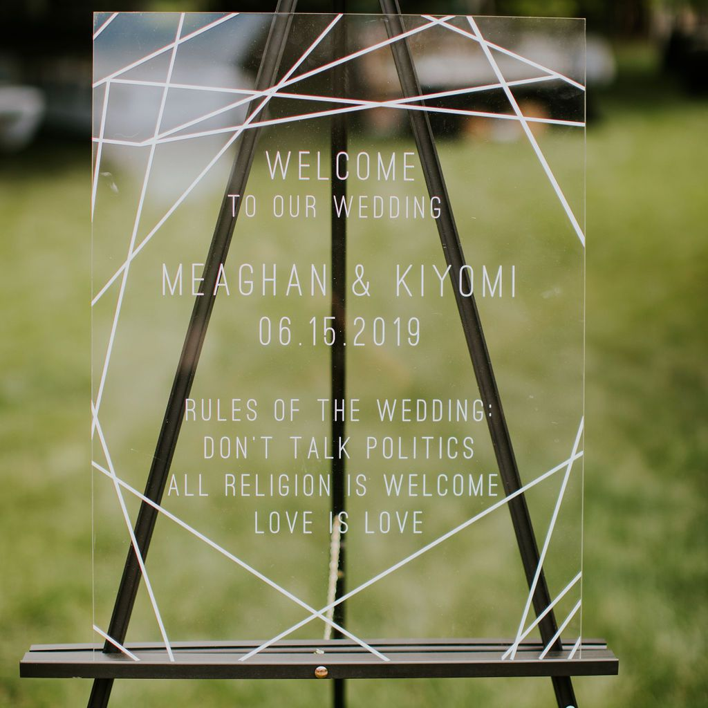 The couple's welcome sign